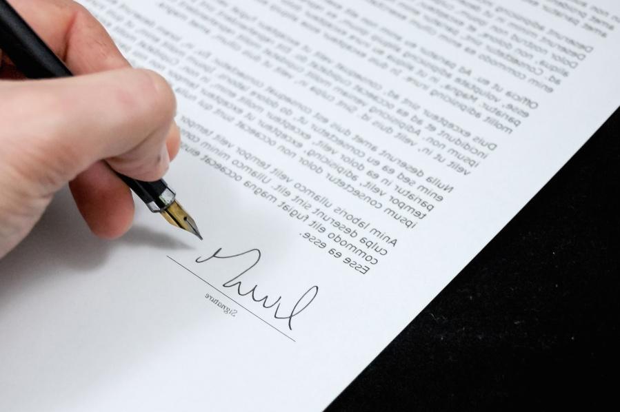 voorwaarden in contract tekenen